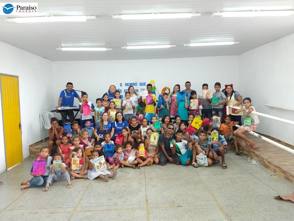 Colégio Paraíso realiza evento de incentivo à leitura para crianças do Bairro Frei Damião
